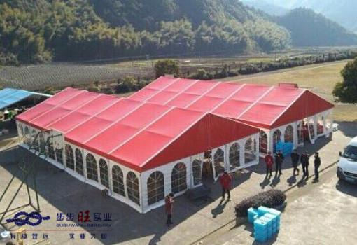 襄阳帐篷批发为您介绍宴会帐篷搭建好后要选择哪些装饰